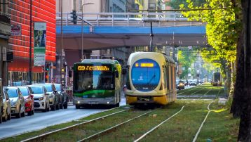 Asse IV - Convenzione per l'acquisto e la fornitura del materiale rotabile per la metrotranvia Milano - Limbiate